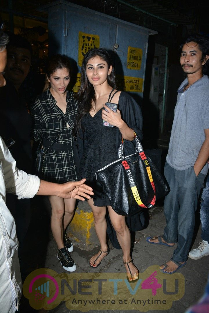 Actress Mouni Roy & Sanjeeda Ali Spotted At Bandra Pictures  Hindi Gallery