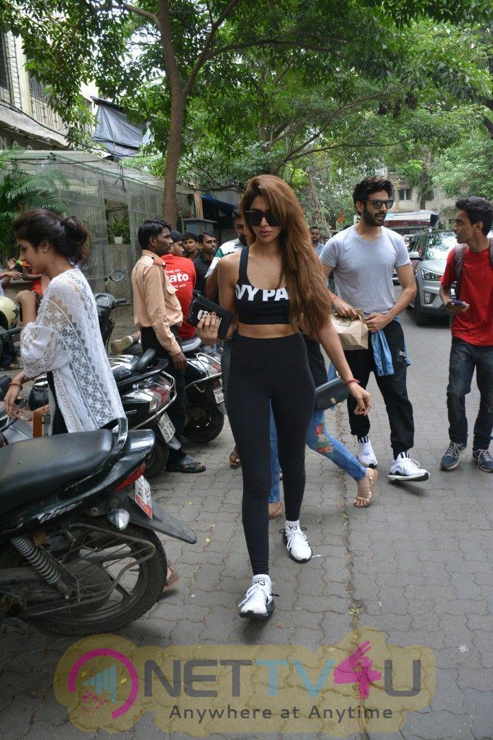 Kartik Aaryan And Dimple Sharma Spotted At Bandra Pics