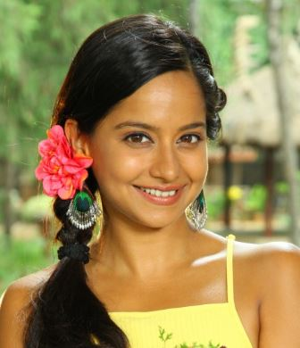 Shilarna Vaze Hindi Actress