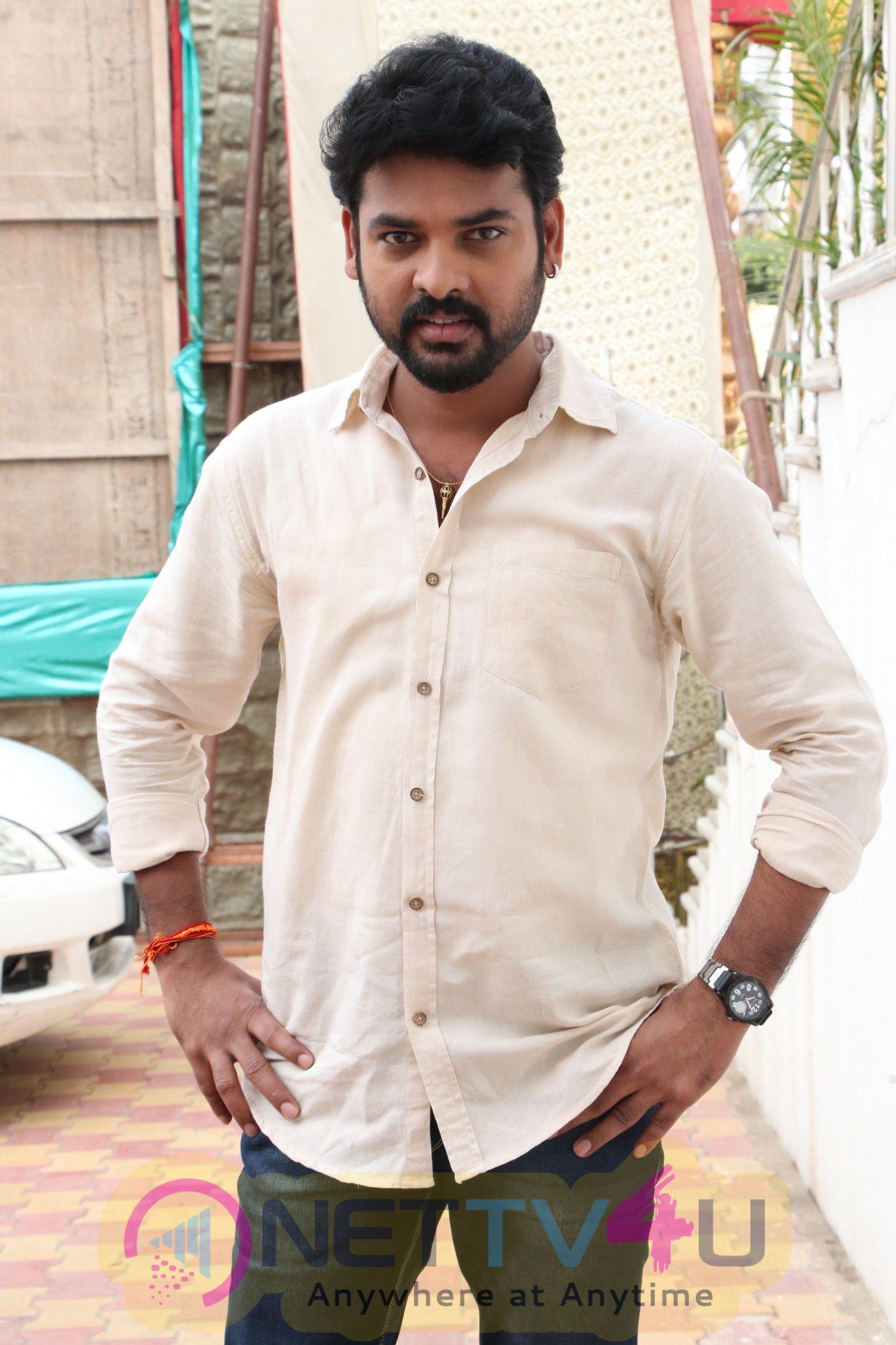 Mannar Vagaiyara Shooting Spot Press Meet Stills