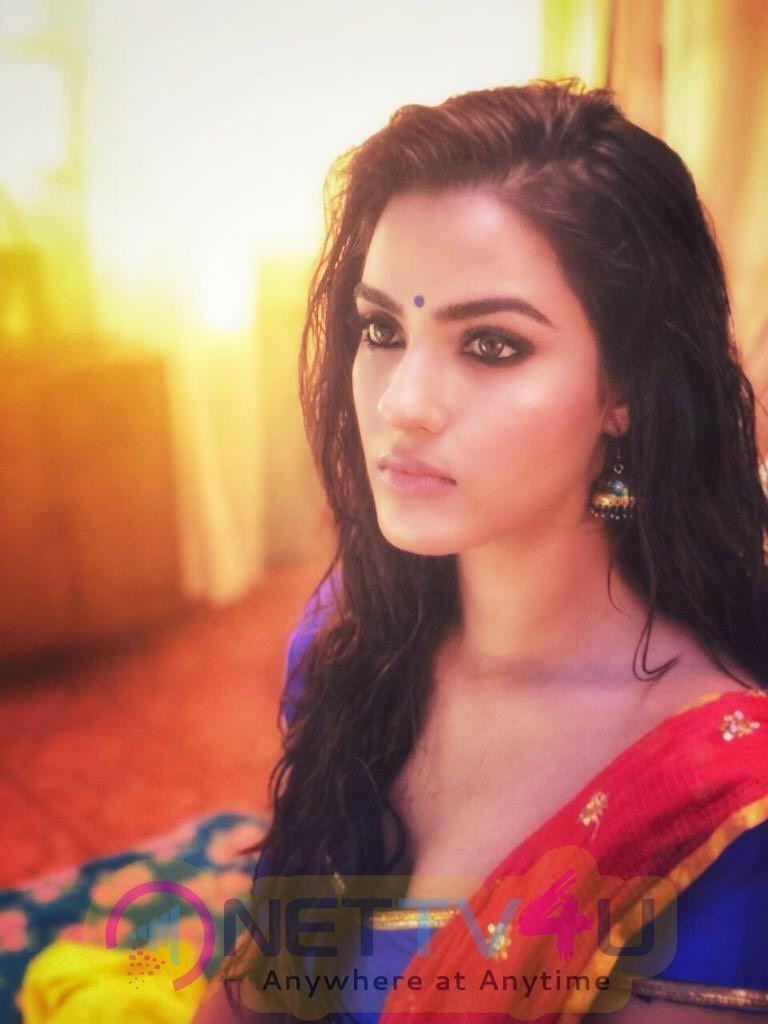 Actress Kavya Thapar Attractive Stills Telugu Gallery