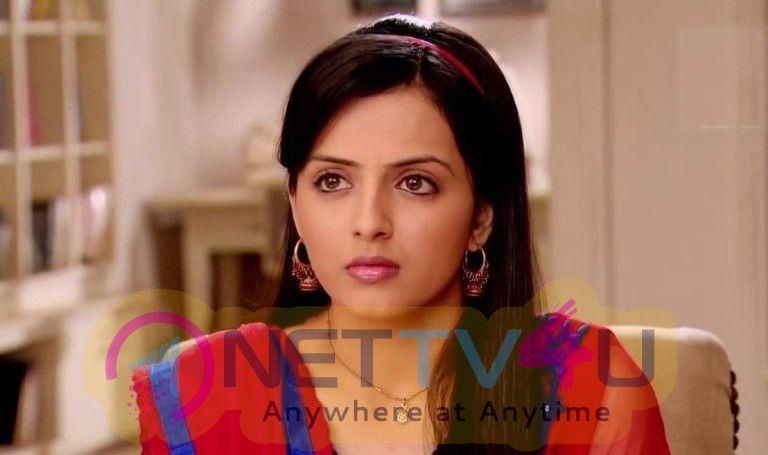Actress Shrenu Parikh Attractive Images