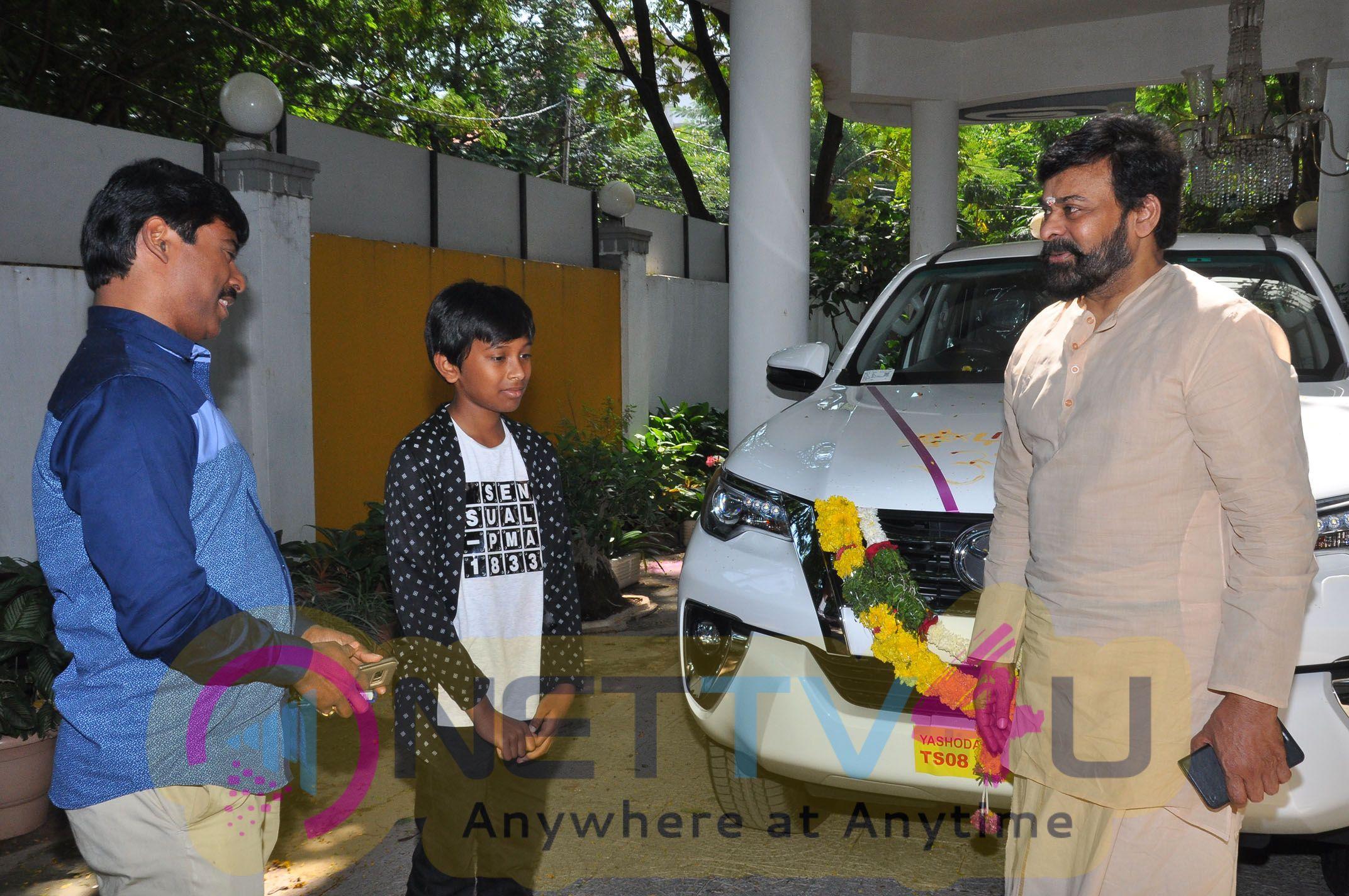 Megastar Chiranjeevi Association Sureskondetiki Stills Telugu Gallery