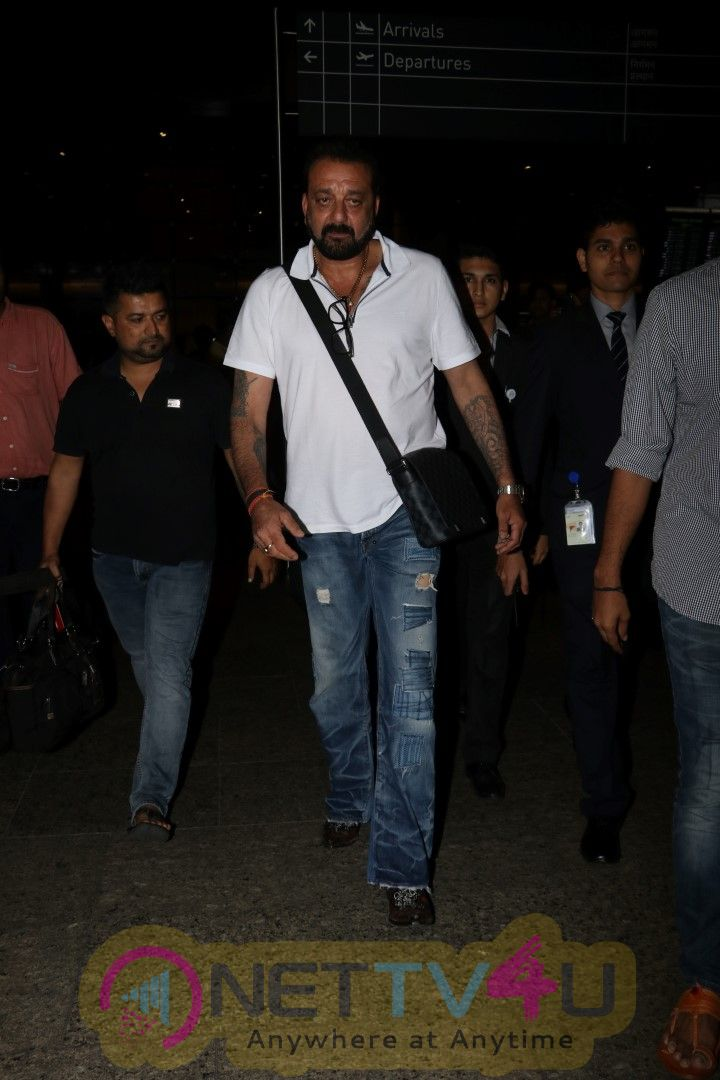 Sanjay Dutt Spotted At The Airport Pics