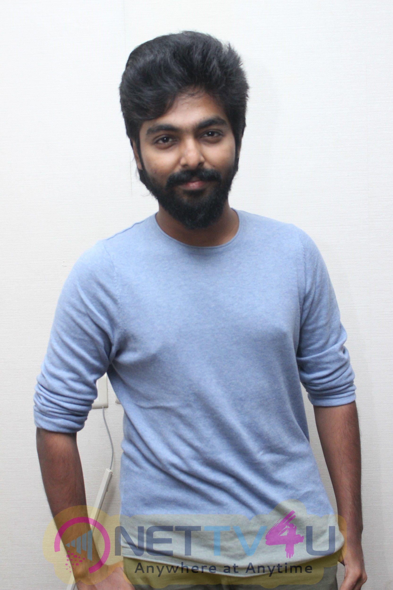 4G Tamil Movie Pooja Attractive Pics Tamil Gallery