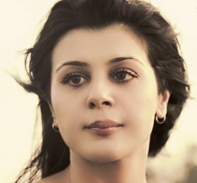 Anishka Khosla Hindi Actress