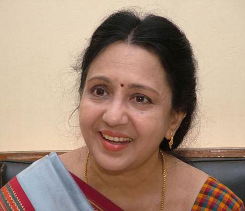 Vennira Aadai Nirmala Tamil Actress