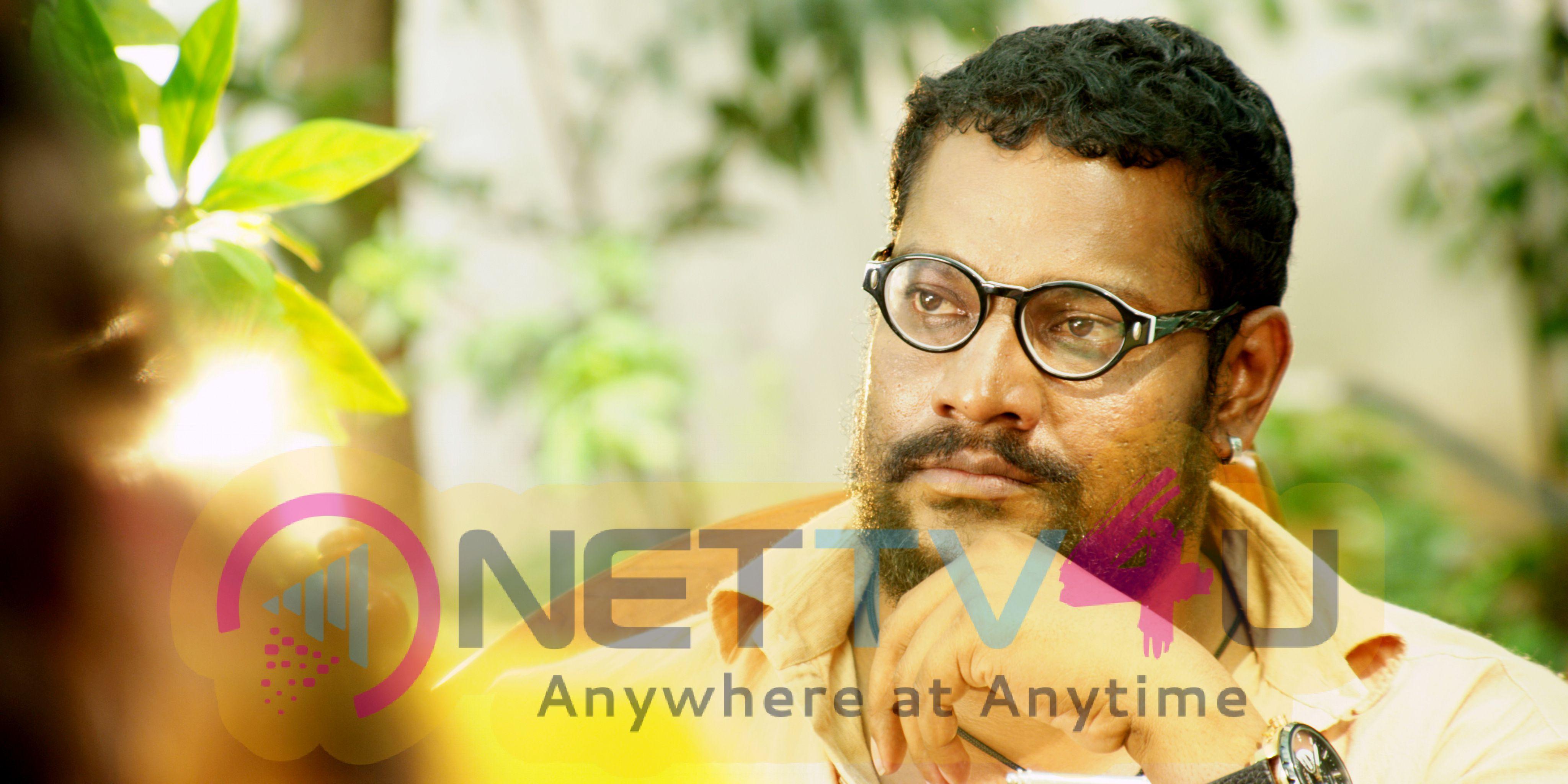 Aavu Puli Madhyalo Prabhas Pelli Movie Latest Stills