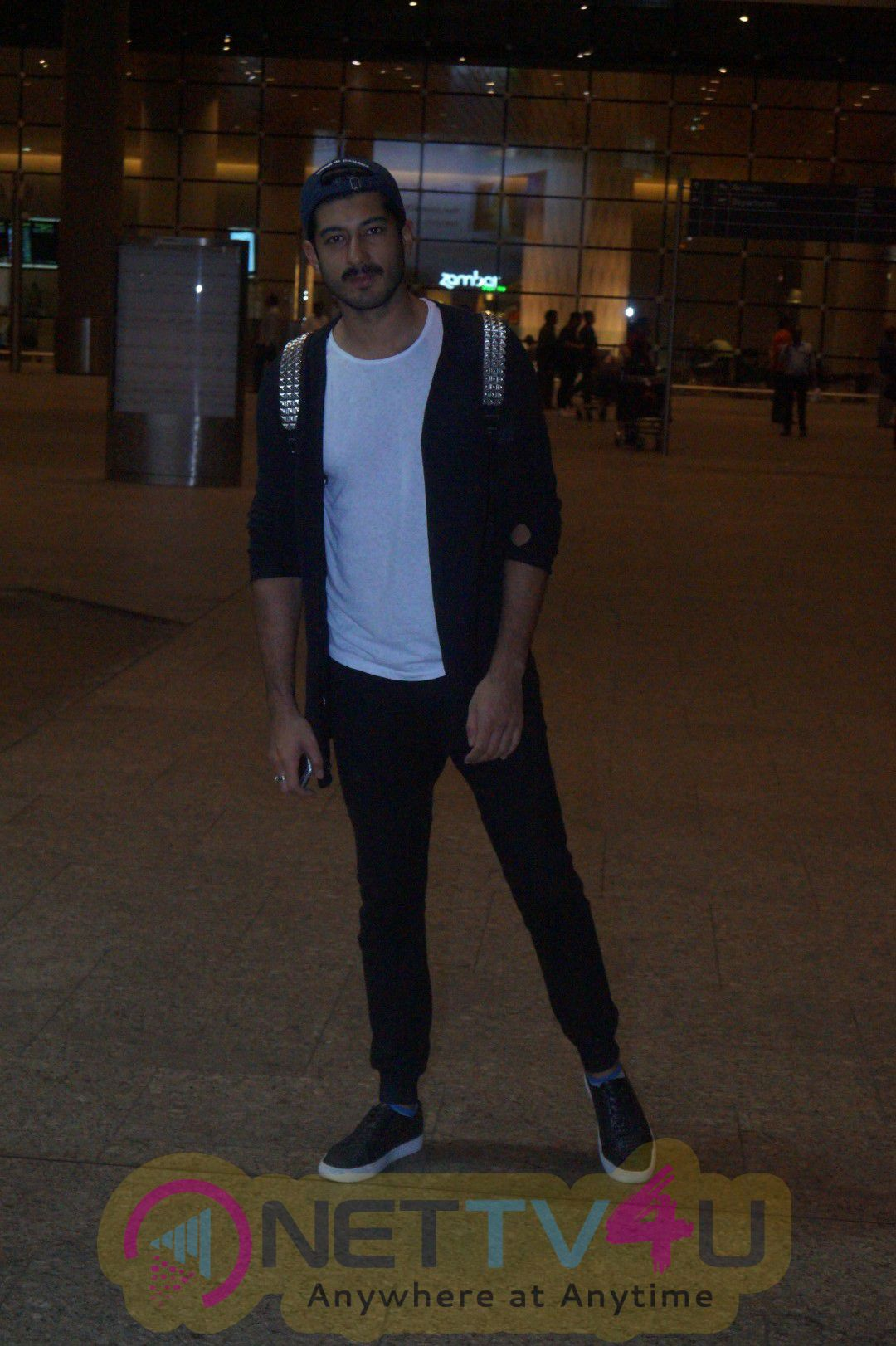 Actor Mohit Marwah Spotted At Airport Handsome Photos