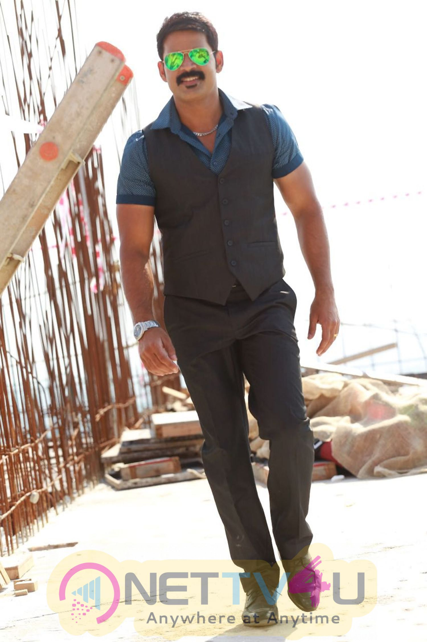 Actor Shaam In Santhu Straight Forward Movie Latest Images