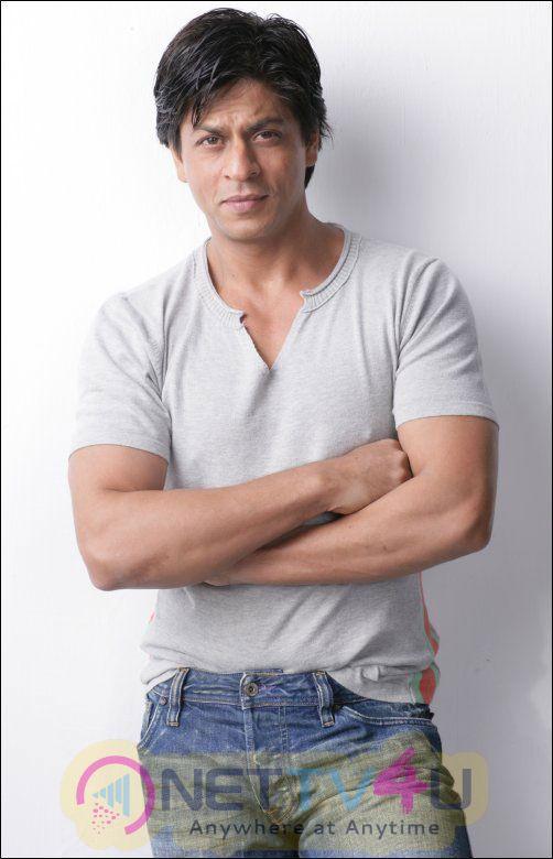 Actor  Shah Rukh Khan Latest Stills