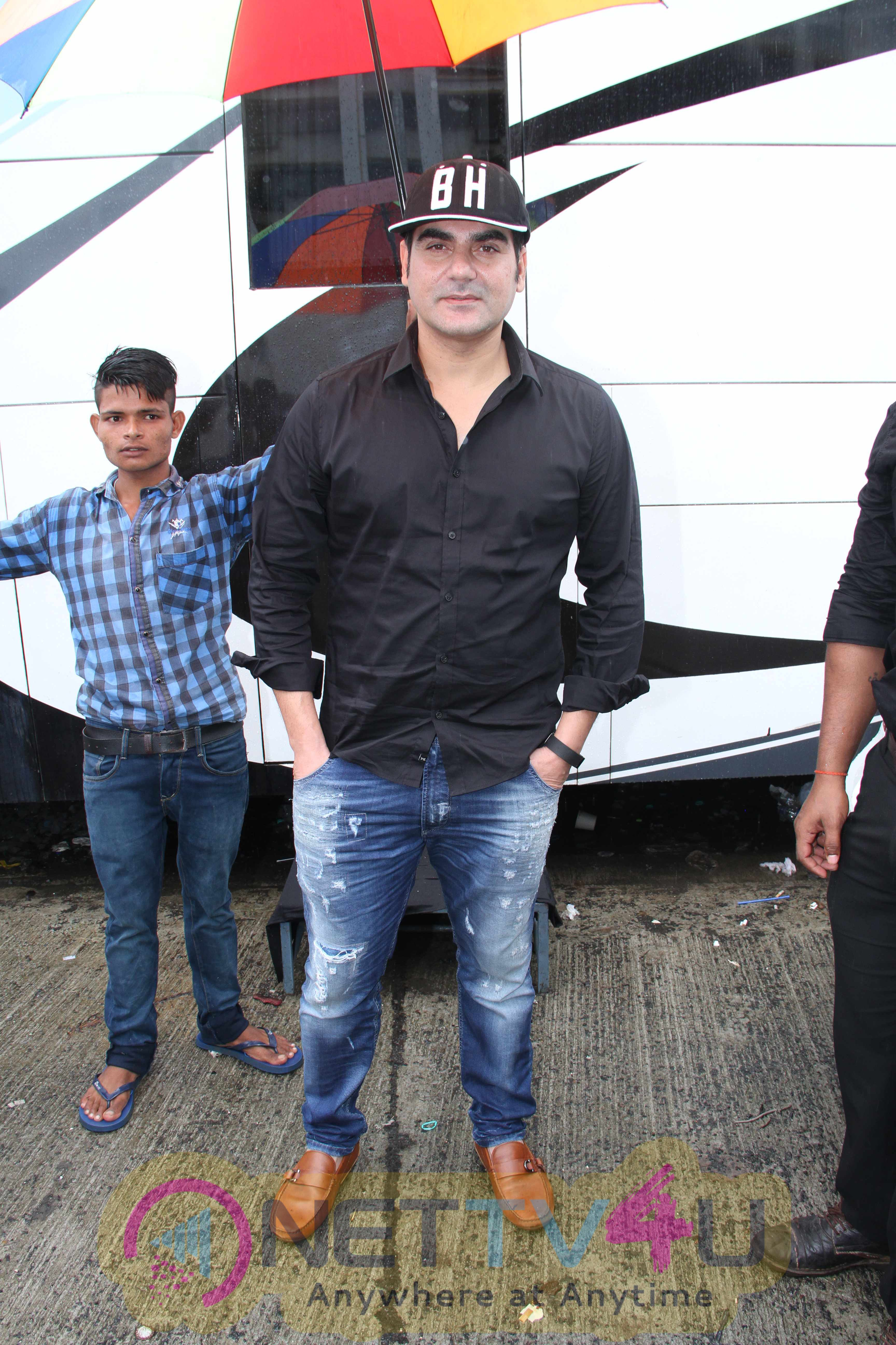 Actors Arbaaz Khan And Sunny Leone During The Mahurat Shot Of Film Tera Intezaar Attractive Stills