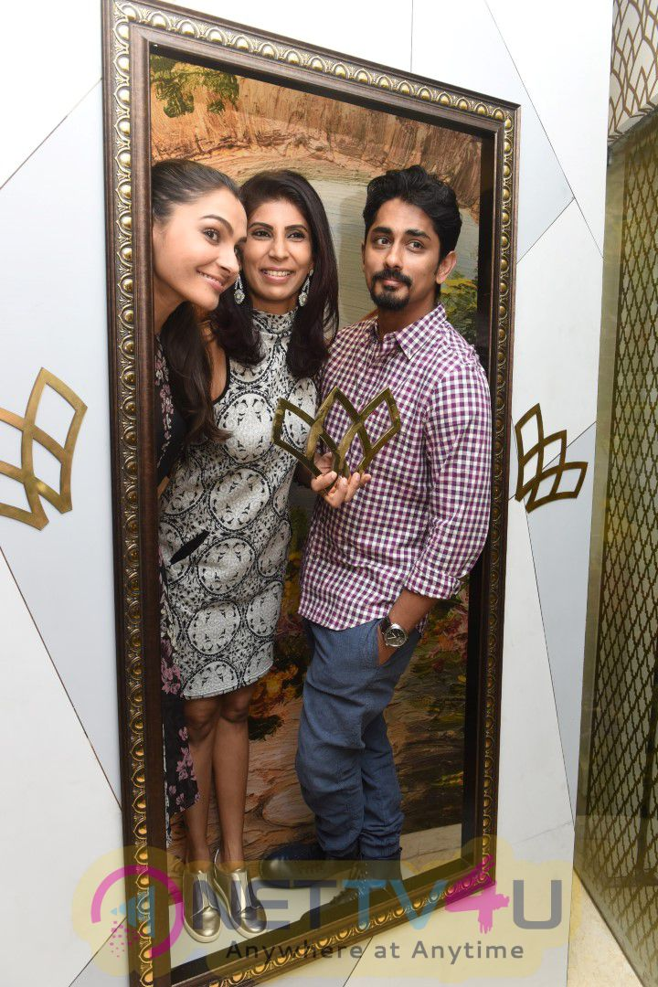 Actors Siddharth And Andrea Jeremiah Inaugurated Wink Salon Images