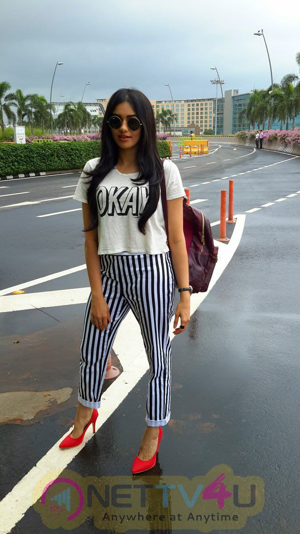 Actress Adah Sharma Spotted At Mumbai Airport Leaving For Commando 2 Excellent Photos Hindi Gallery