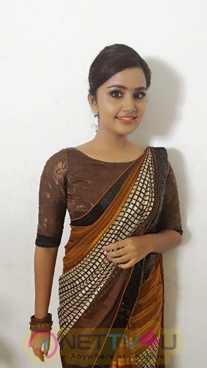 Actress Anupama Parameswaran Stylish Pics