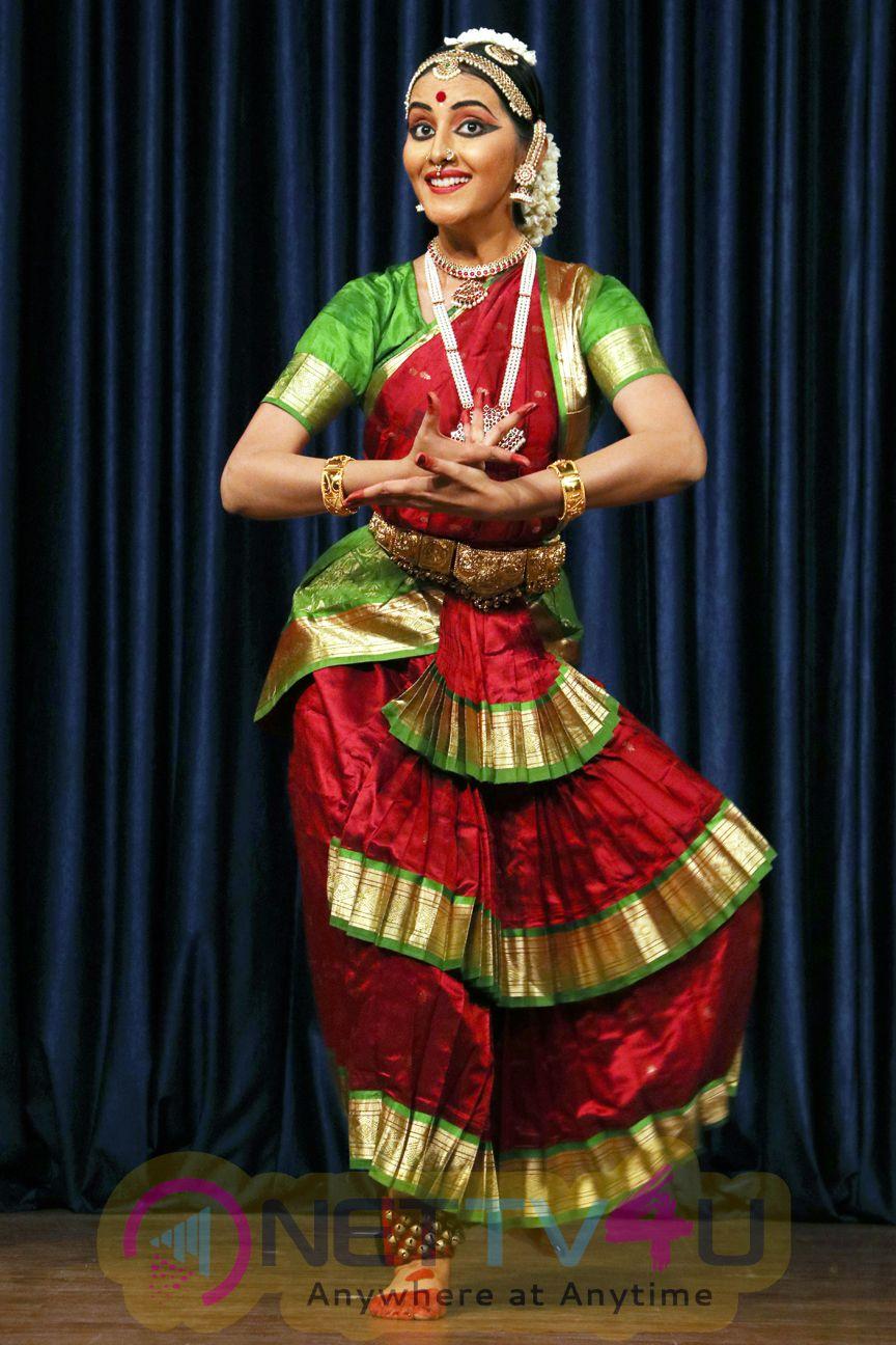 Actress Archna Sharma Arangetram Photos