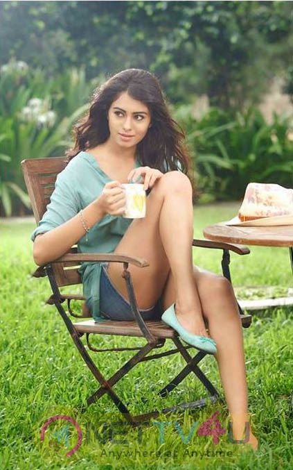 Actress Deepa Sannidhi Beautiful Pictures
