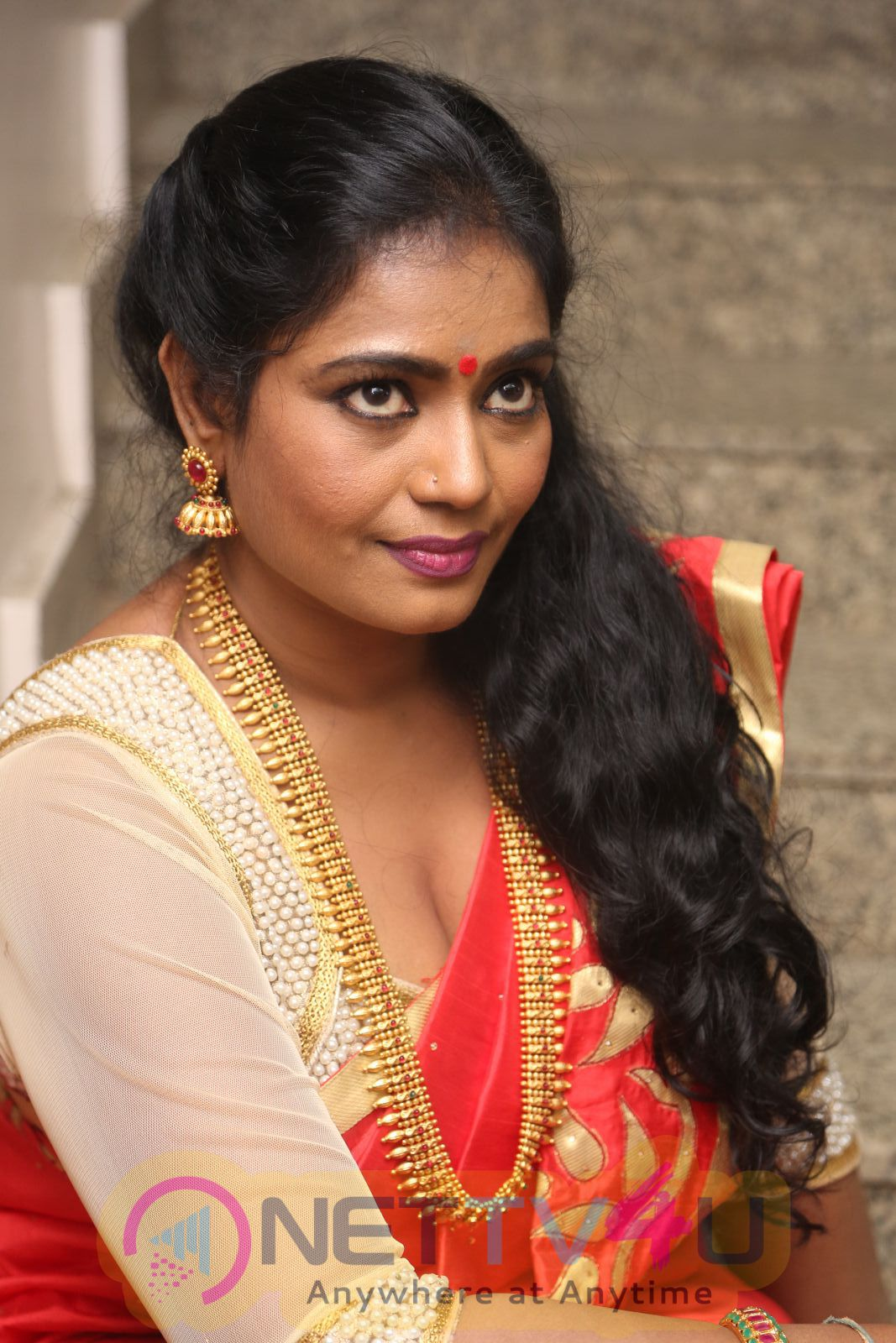 actress jayavani cute stills at intlo deyyam nakem bhayam movie