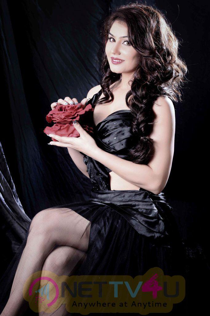 Actress Kangana Sharma Hot Photoshoot Photos