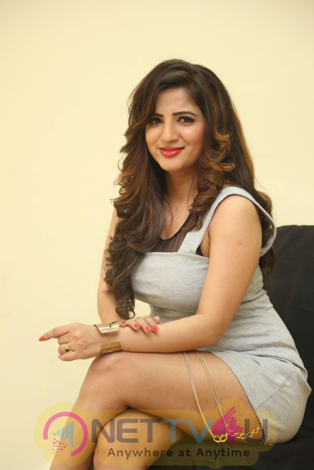 Actress Kavya Latest Photo Shoot Images Telugu Gallery