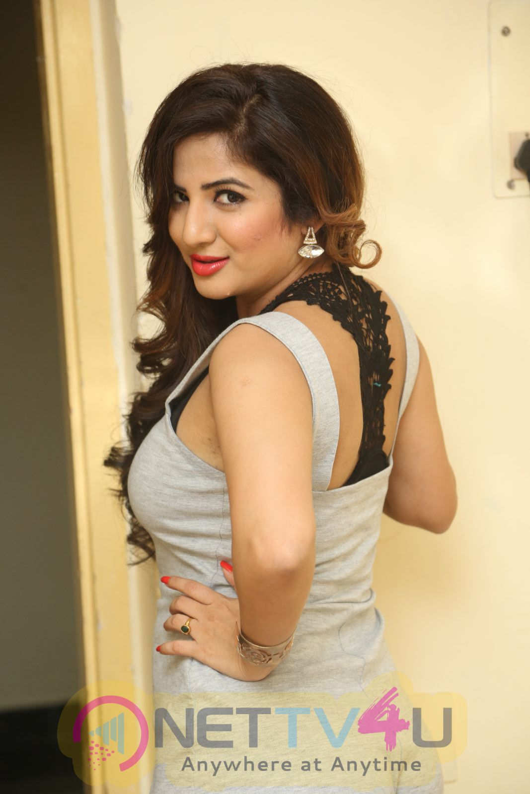 Actress Kavya Latest Photo Shoot Images Telugu Gallery