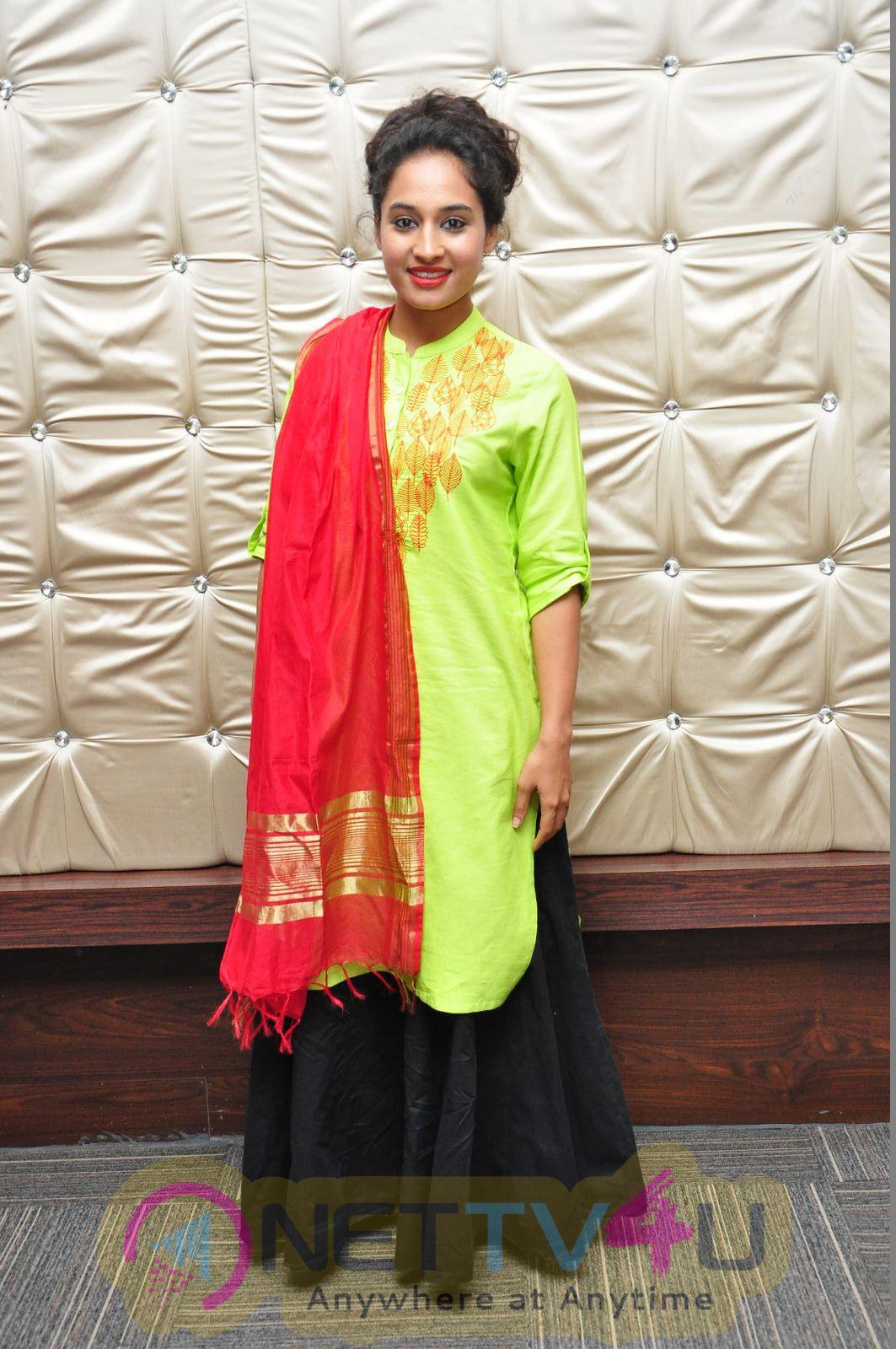 Actress Pooja Ramachandran Latest Good Looking Photos