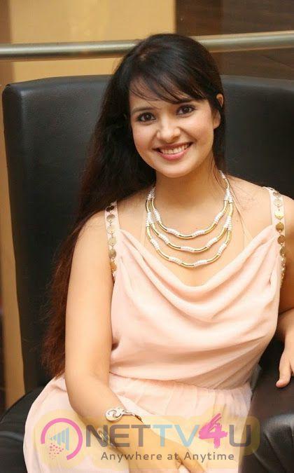 Actress Saloni Aswani Hot Images