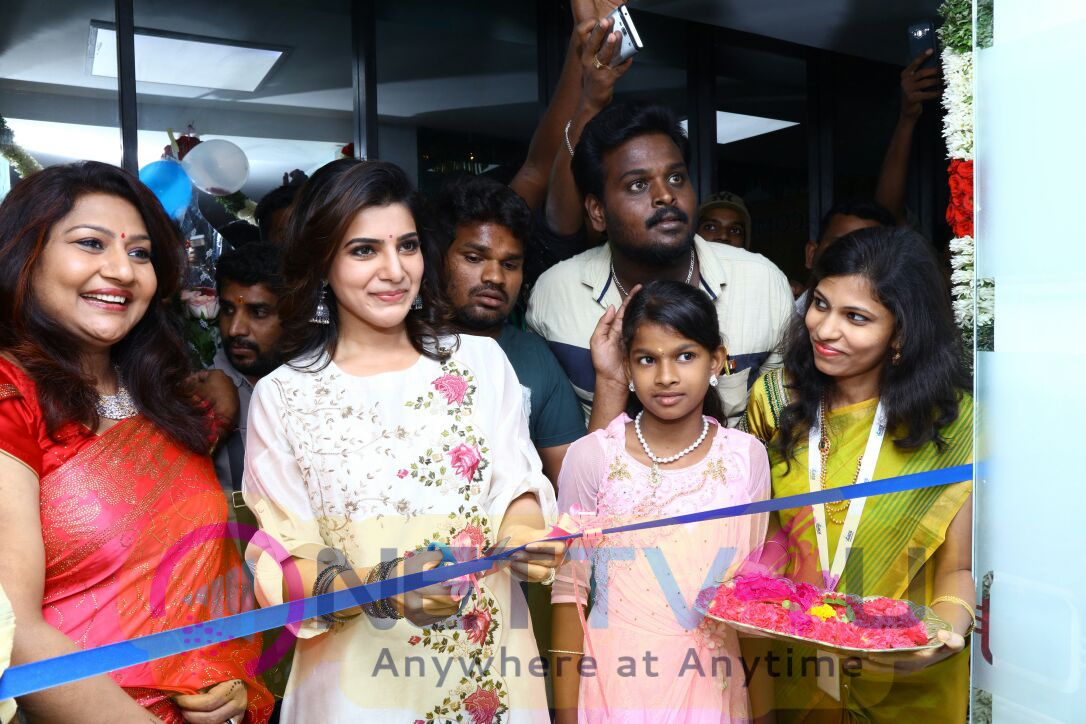 Actress Samantha In Madurai 32nd Branch V Care Launch Exclusive Stills