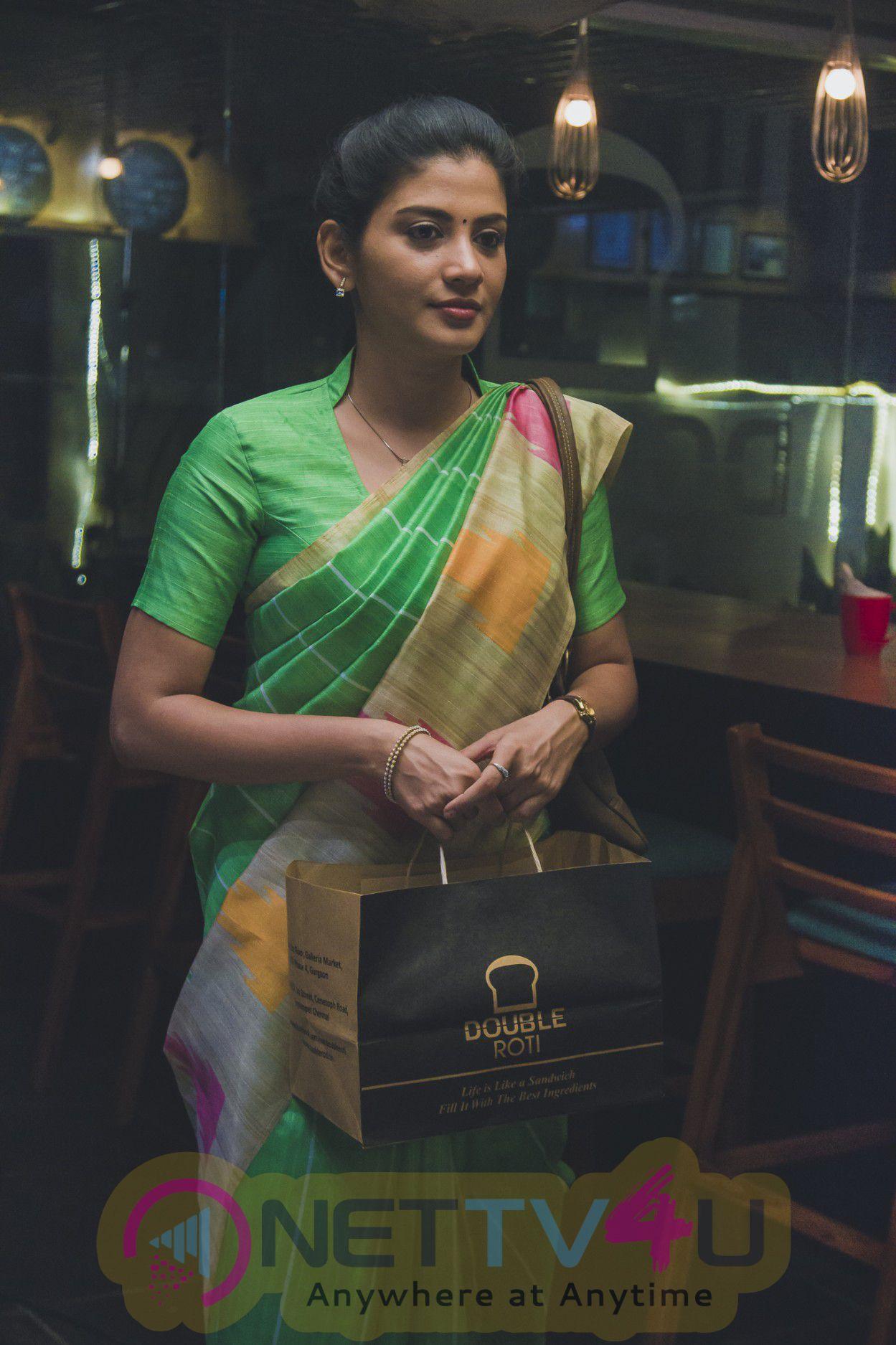Adhe Kangal Tamil Movie High Quality Photos