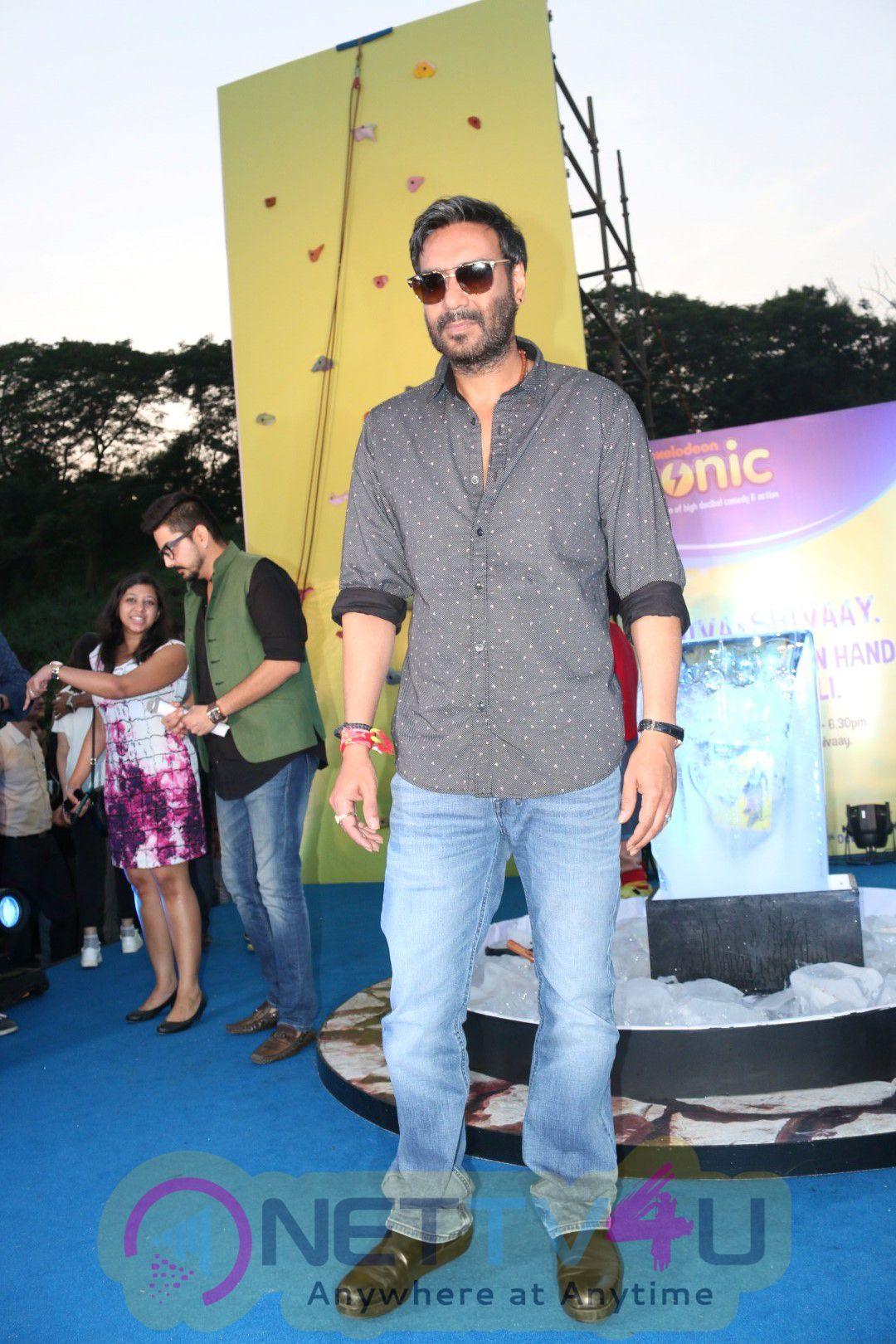 Ajay Devgan And SHIVA The Superhero From Popular Television Series On Sonic Waptubes Stills Hindi Gallery