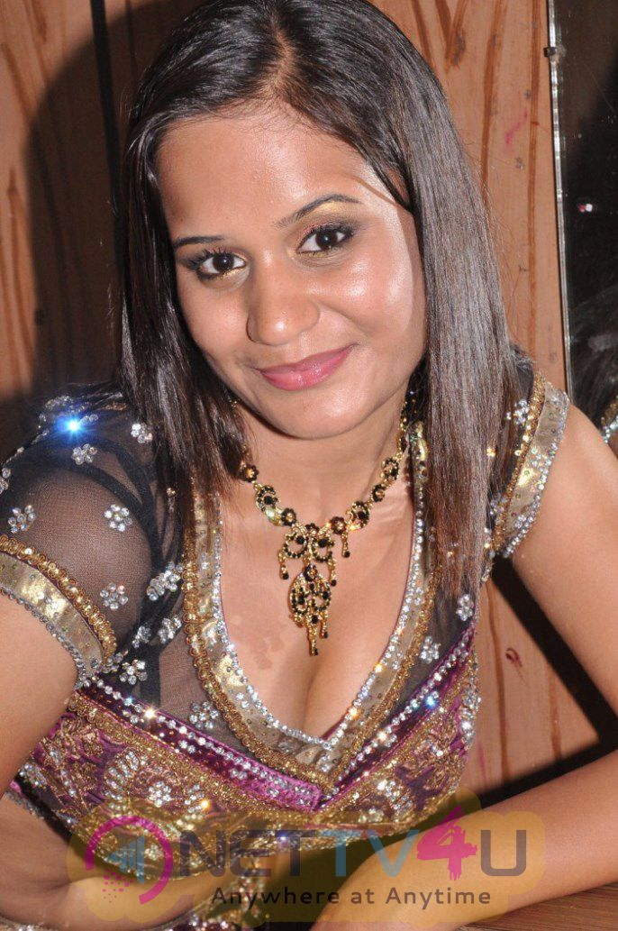 Ambika Latest Very Hot And Sexy Photos