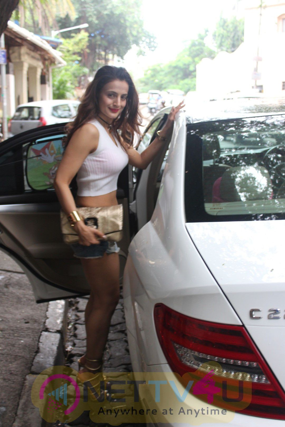 Ameesha Patel Spotted At The Korner House Excellent Photos