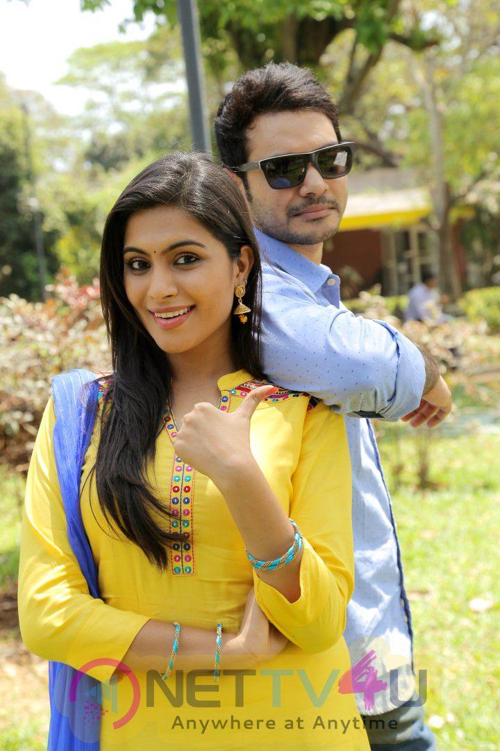 Aalukku Paathi 50-50 Tamil Movie New Latest Stills