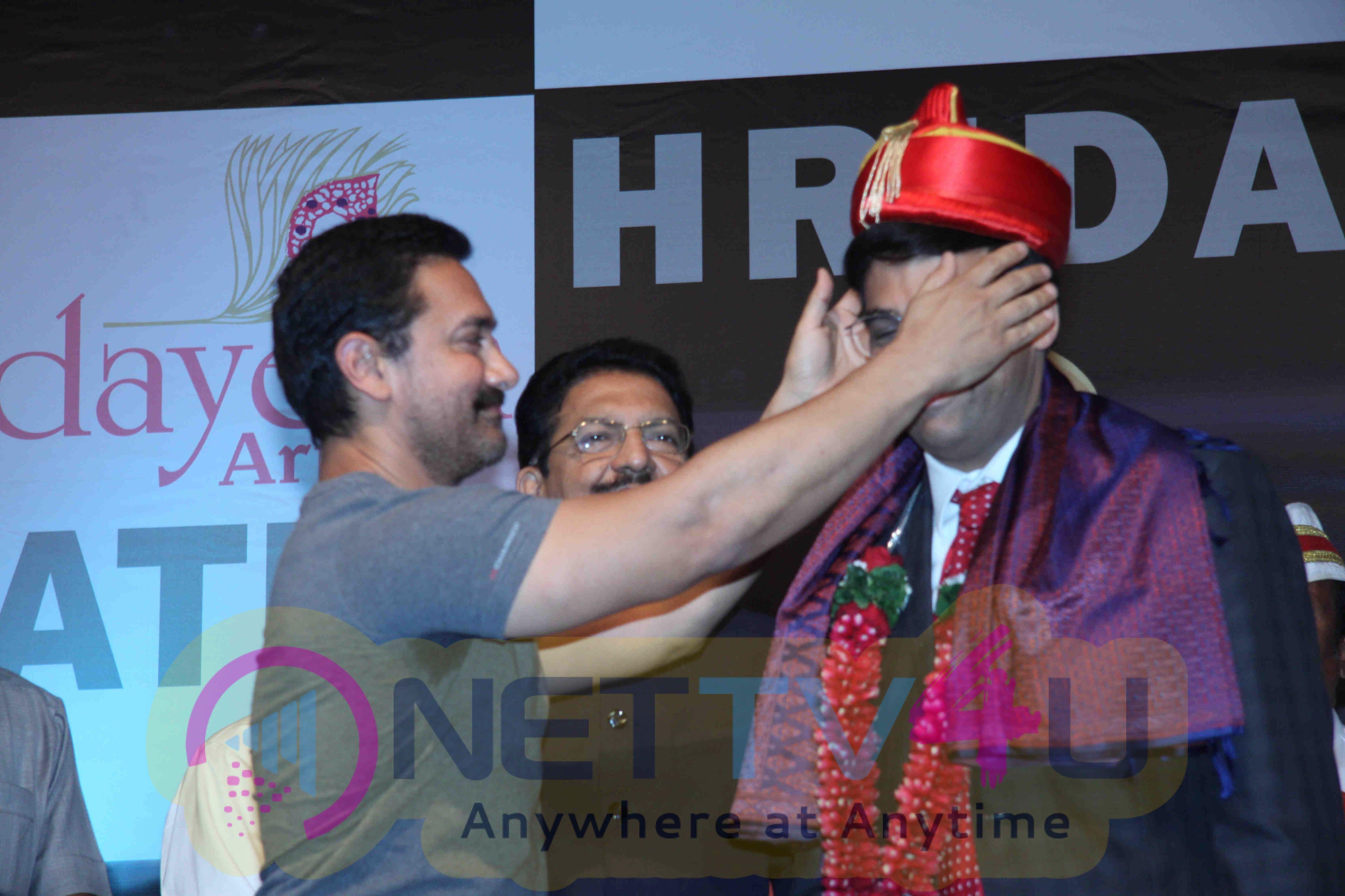 Aamir Khan And Vishwanathan Anand At Hridaynath Award 2016 Event Stills Hindi Gallery