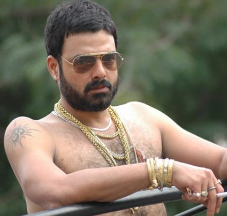 Abhimanyu Singh Makes His Debut In Chakravyuha With Puneeth!