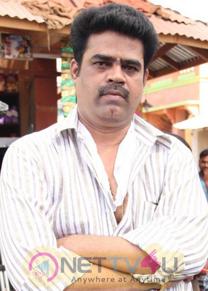 Actor Vishals Kathi Sandai To Be Directed By Suraj Stills