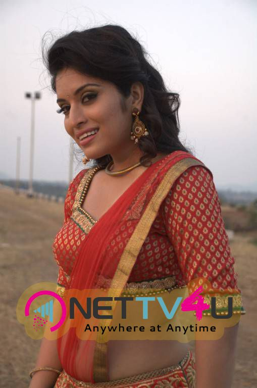 Actress Hardhika Shetty Stills From Kadhali Kanavillai Tamil Movie