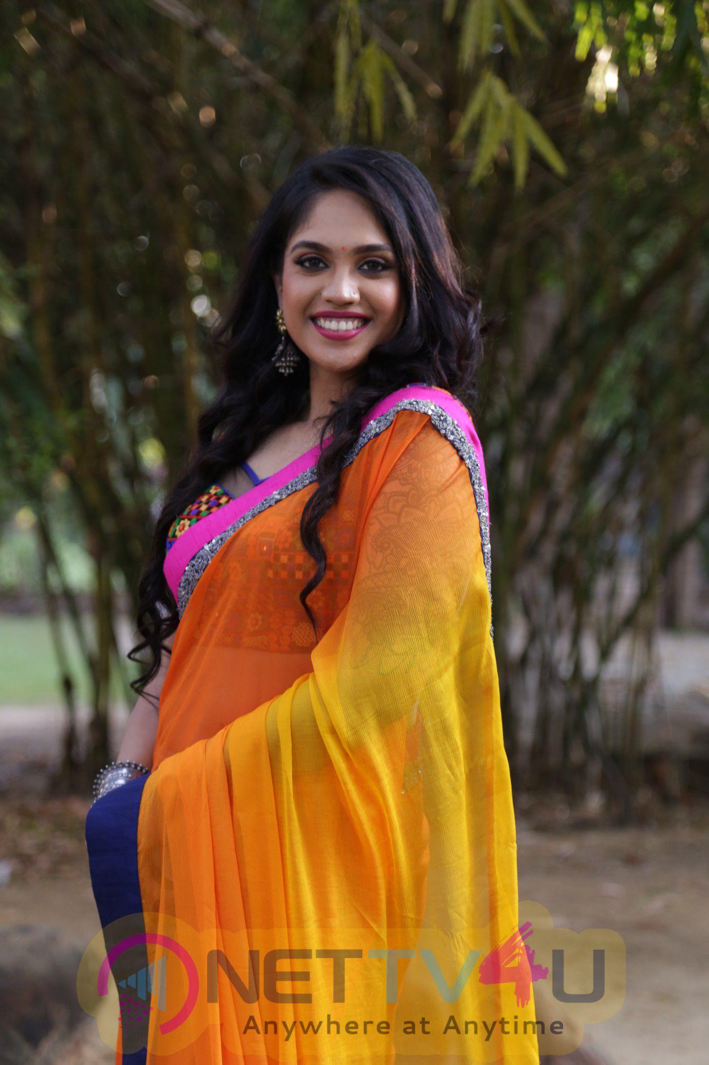 Actress Mumtaz Sorcar Glamour Photos