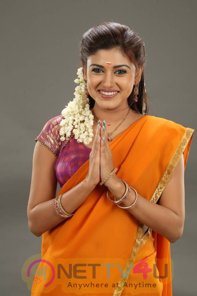 Actress Oviya Latest Photoshoot Gallery