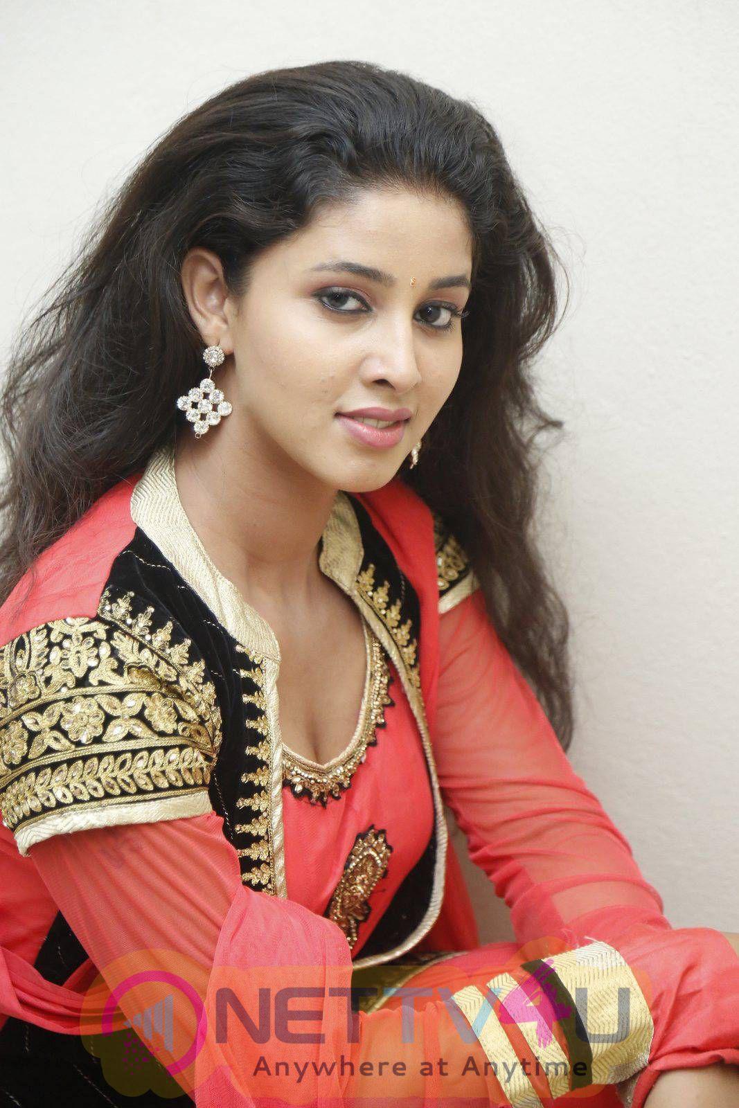 Actress Pavani At Eluka Majaka Movie Logo Launch Photos
