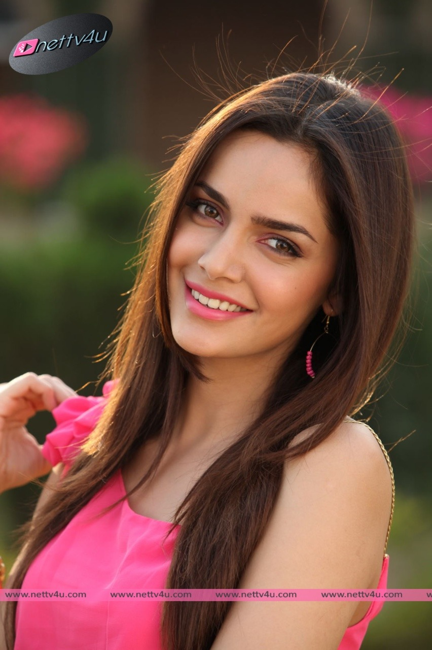 Actress Shazahn Padmasee Cute Recent Photos