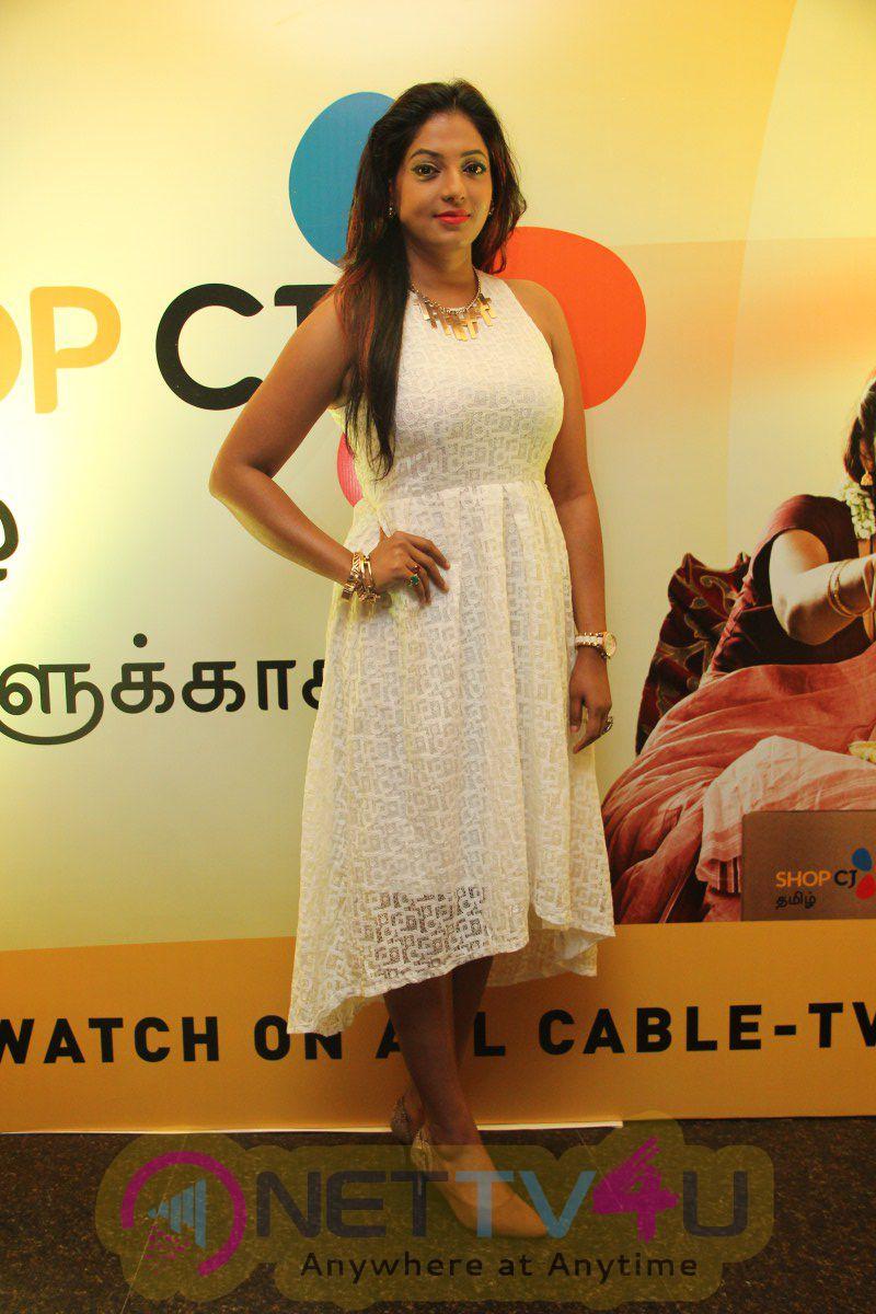 Actress Trisha Launch In Shop C J Tamil Photos Tamil Gallery