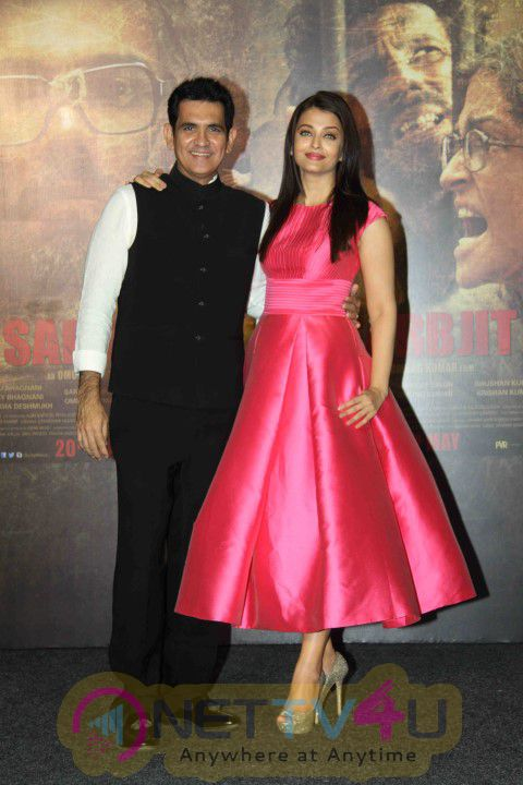 Aishwarya Rai Bachchan And Randeep Hooda At Sarabjit Trailer Launch Stills