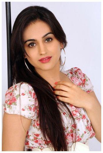 Aksha Pardasany  Tamil Actress
