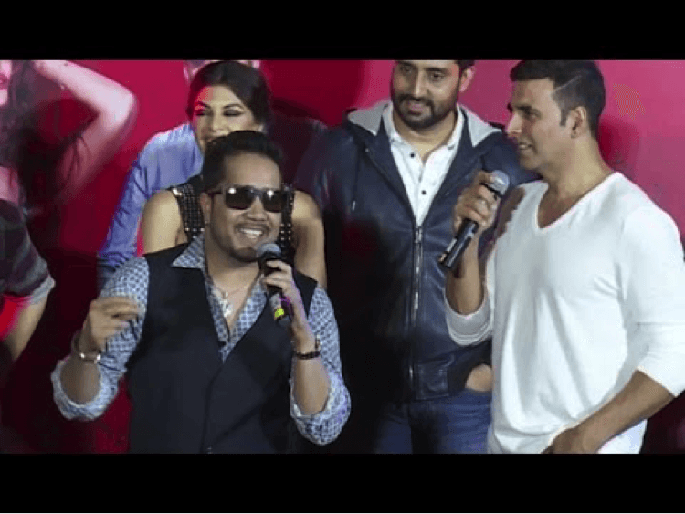 Akshay Is Lucky For Me: Mika Singh