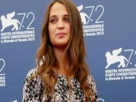 Alicia Vikander Says She Prefer London Than Ame..