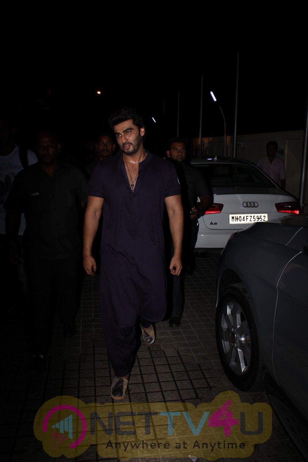 Arjun Kapoor Surprise Visit Juhu PVR Images