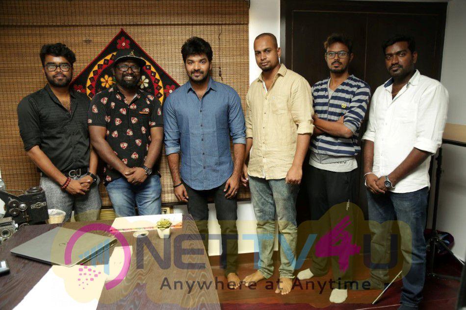 Balloon Tamil Movie First Look Photos