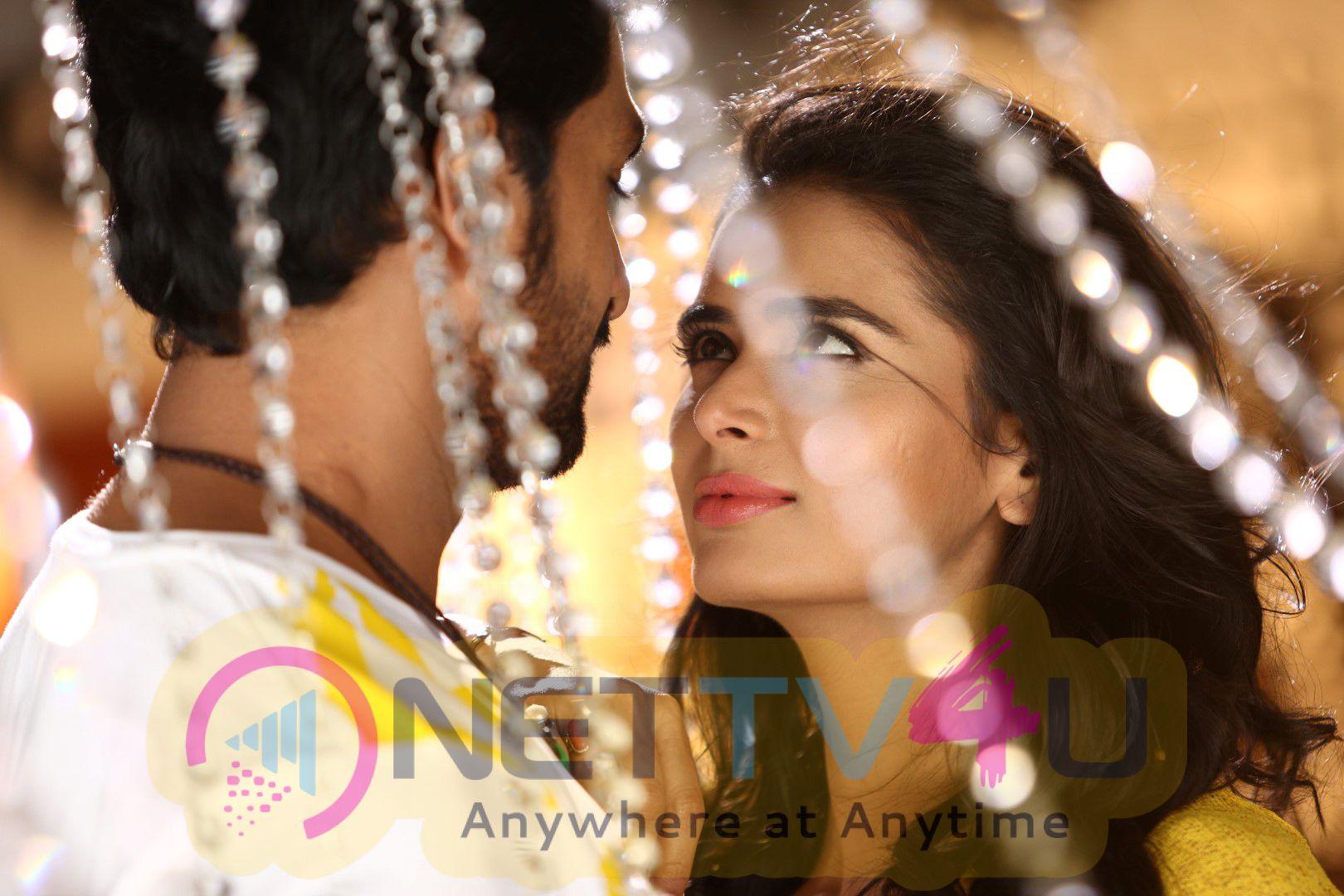 Bayam Oru Payanam Tamil Movie Attractive Photos