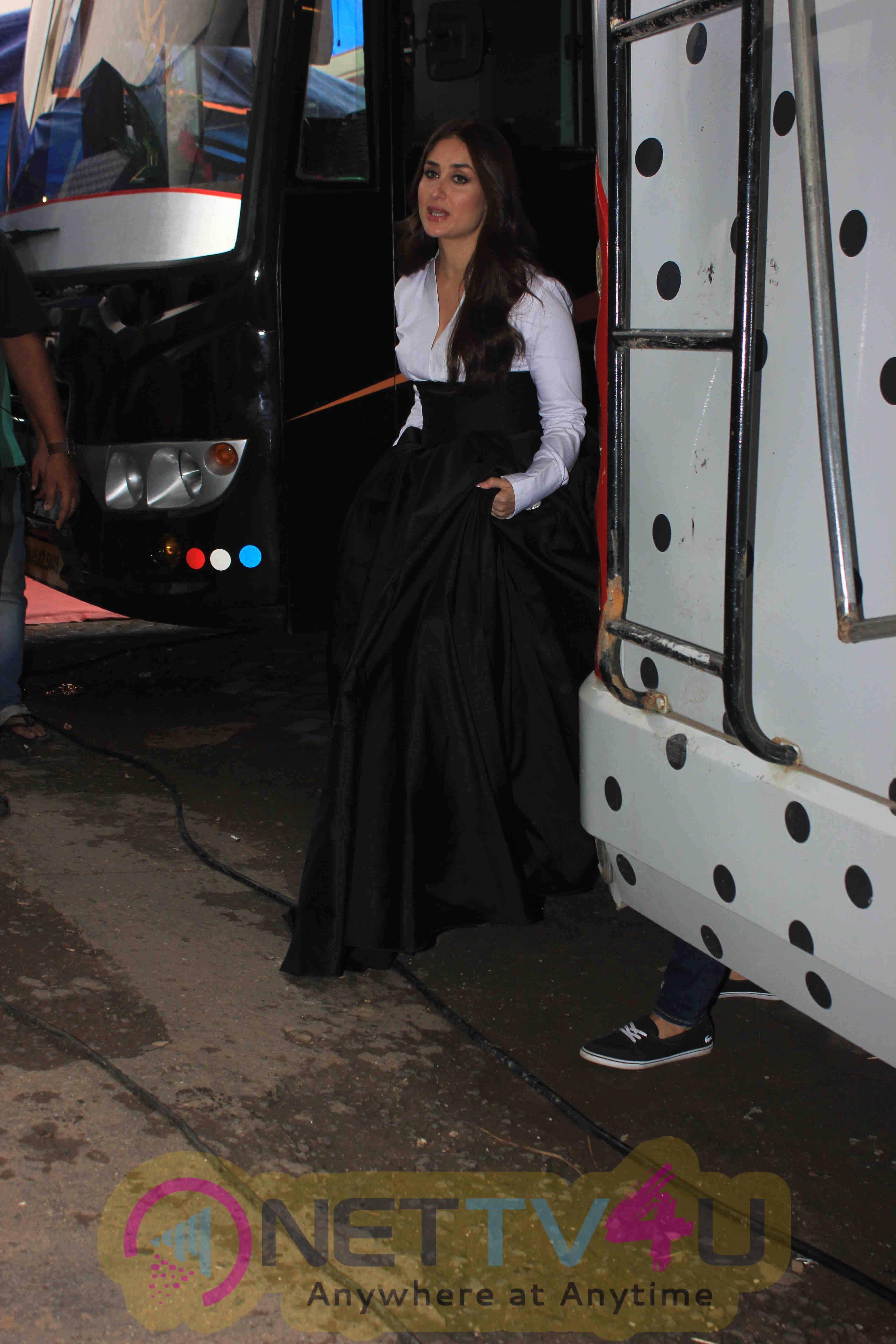 Bollywood Actor Kareena Kapoor Spotted At Mehboob Studio Good Looking Stills